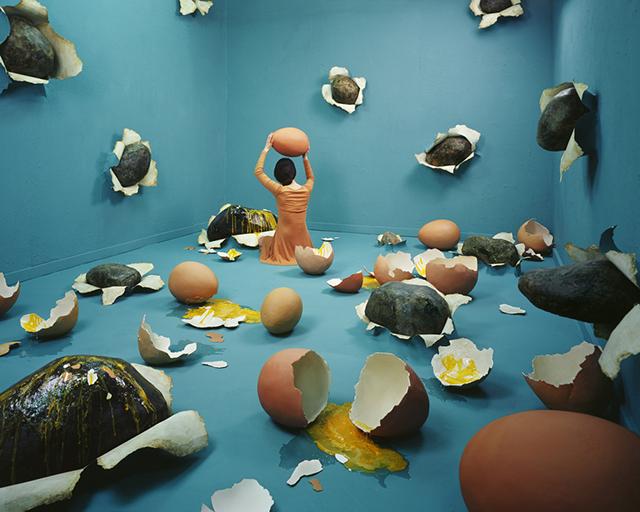 ht studio art broken heart sr 131210 Artist Creates Surreal Scenes in Tiny Studio