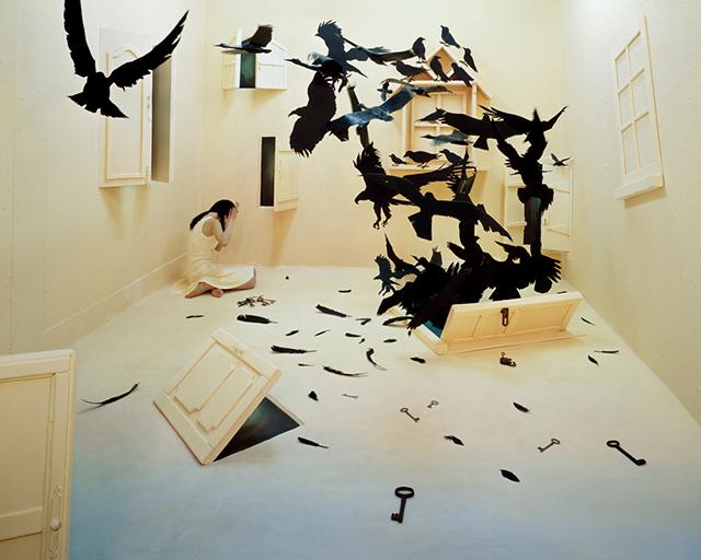 ht studio black birds sr 131210 Artist Creates Surreal Scenes in Tiny Studio