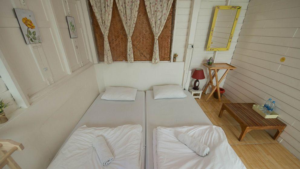 PHOTO: Double AirCon Room at the Khaosan Baan Thai.