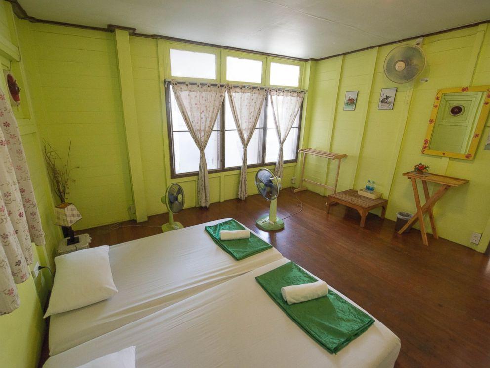 PHOTO: Double Fan Room at the Khaosan Baan Thai.