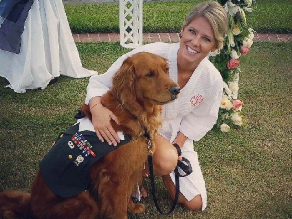 PHOTO: U.S. Army veteran Justin Lansford tied the knot with longtime girlfriend, Carol Balmes, with his canine companion, Gabe, at his side.