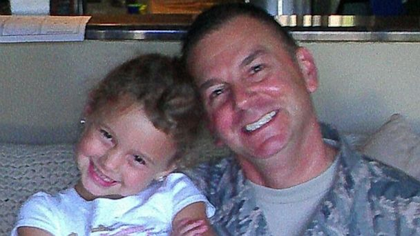 ht toothfairy Julianna dad thg 130904 16x9 608 Airman Dad Returns Home Just in Time to be Daughters Tooth Fairy