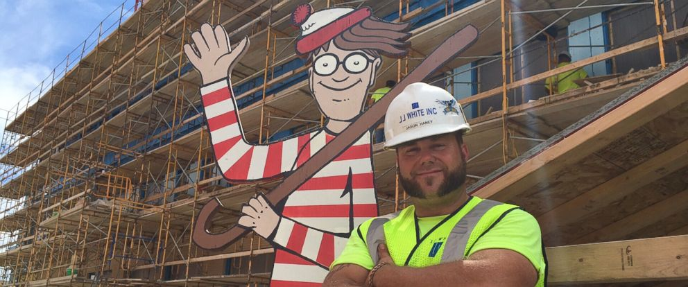 PHOTO: Construction Worker Hides Where's Waldo Figure for Kids in Hospital to Spot