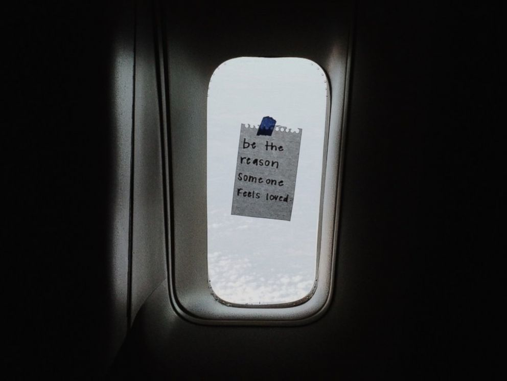 PHOTO: American Airlines flight attendant, Taylor Tippett, 22, leaves words of encouragement on little slips of paper for her passengers to discover.