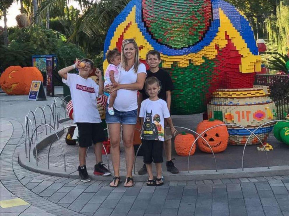 PHOTO: Shannon Geise, 31, of Phoenix, Arizona, seen with four of five of her children, Devon, 11, Dominik, 9, Damen, 5 and Olivia, 1 year.