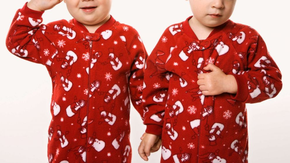 send gma your familys matching christmas pajamas picture abc news