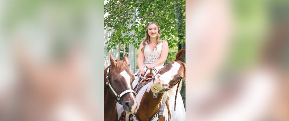 """PHOTO: Patti Womer of Pennsylvania was in the midst of her wedding day photo shoot when her horse, Cricket, """"smiled"""" for photographer Tony Bendele in Pennsylvania on Sept. 9, 2017."""
