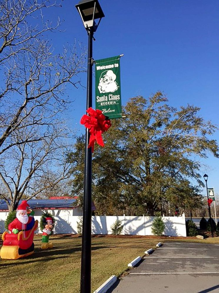 PHOTO: The town of Santa Claus, Georgia, features signs of Christmas year-round.