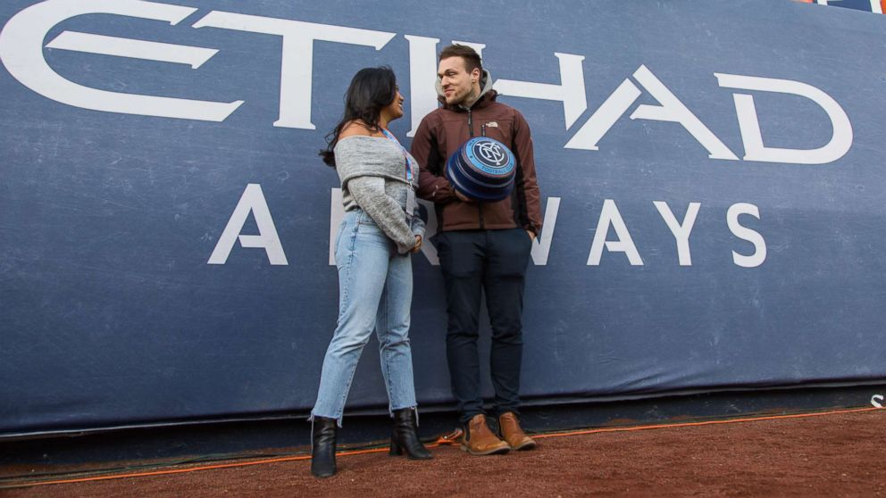COLUMN: I went on my first Tinder date in front of a stadium full of  strangers and this is what happened