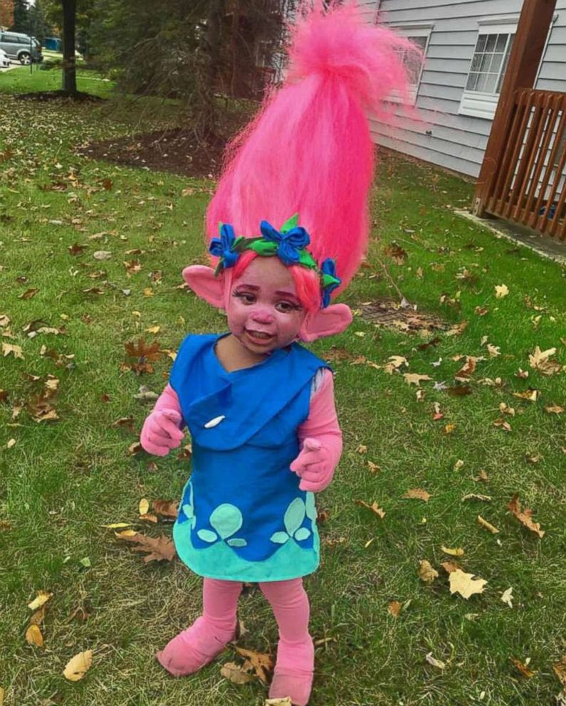 PHOTO: Chiquia Waters handmade outfit for her 1-year-old daughter is making waves on social media.