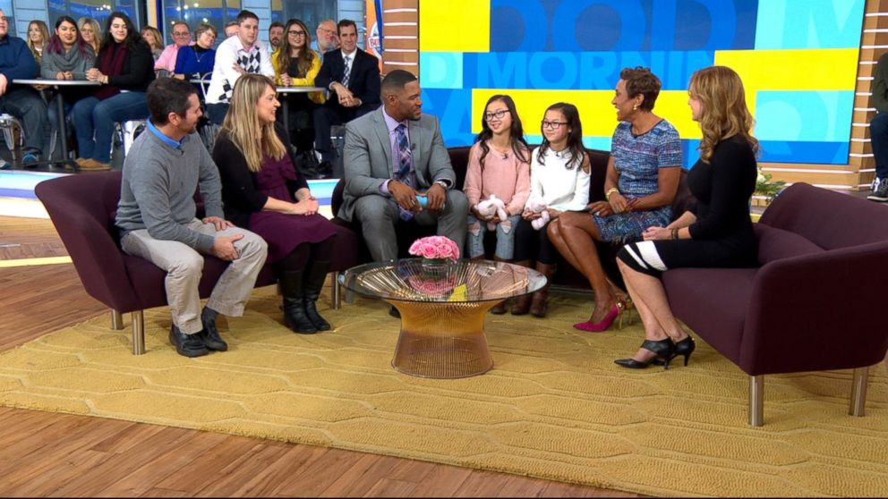 PHOTO: Audrey Doering and Gracie Rainsberry appear with their parents on Good Morning America.