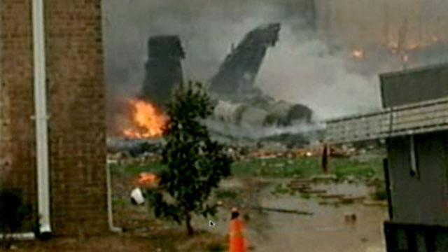 Military Jet Crashes Into Apartment Building in Virginia Beach ...