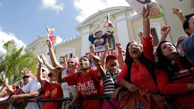 PHOTO: Supporters of Venezuela's President Hugo Chavez chant slogans outside the National Assembly in Caracas, Venezuela, Jan. 5, 2013.