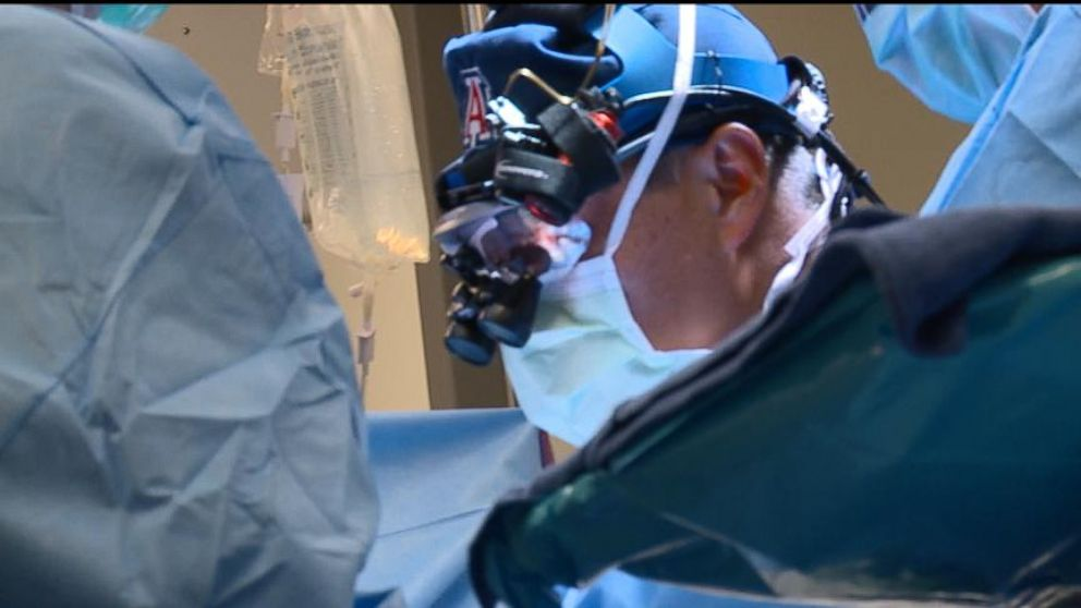 Ariz. Trauma Surgeon Uses Warzone Skills in ERs at Home