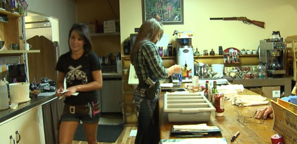 Colorado Restaurant Staff Proudly Open-Carries Handguns