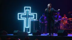 Nightline 12/25: At Hillsong Church, Come for the Rock Concert, Stay for the Sermon
