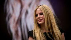 Avril Lavigne Describes Nightmare Experience with Lyme Disease