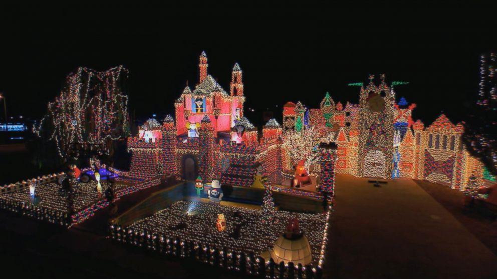Entire Neighborhoods Battle for Best Christmas Light Display Video ...
