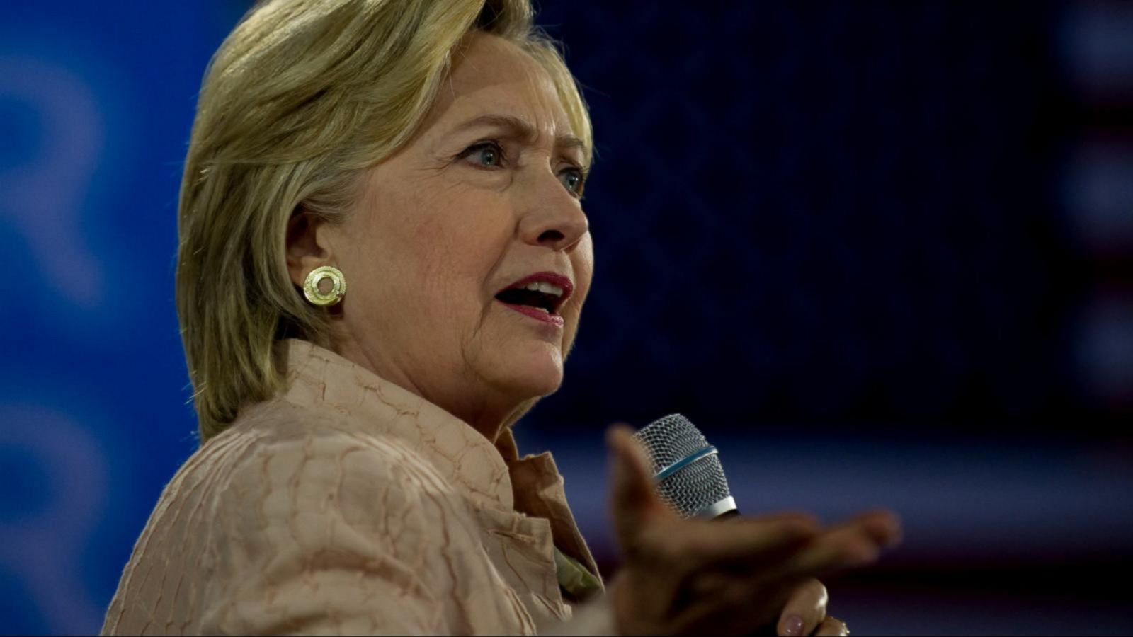 Clinton Goes on Defense After Trump Attacks Clinton Foundation, Her Health