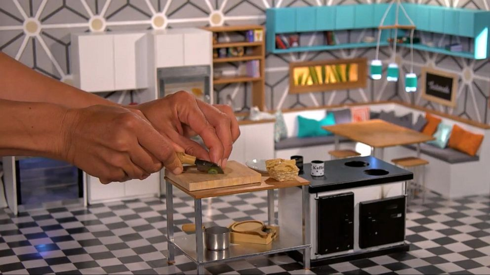 Enjoyable Tiny Kitchen Chefs Make Real Food In Mini Sizes Video Abc News Largest Home Design Picture Inspirations Pitcheantrous