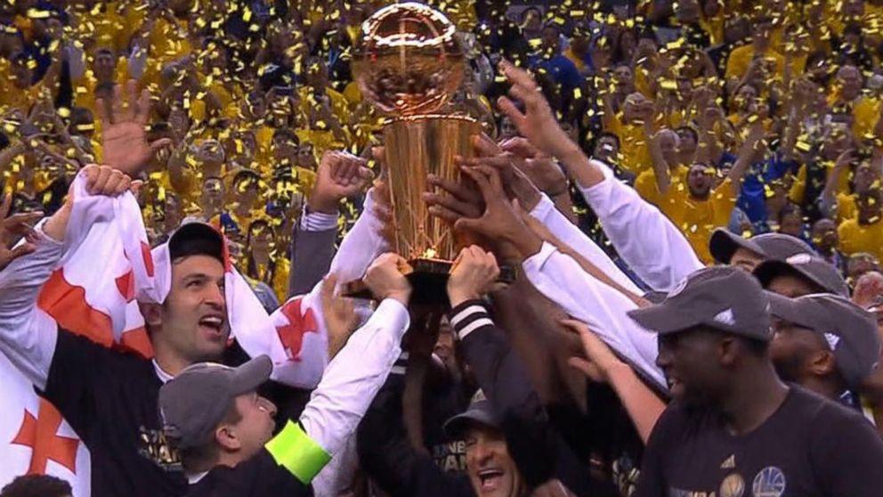 WATCH:  Golden night for Golden State Warriors