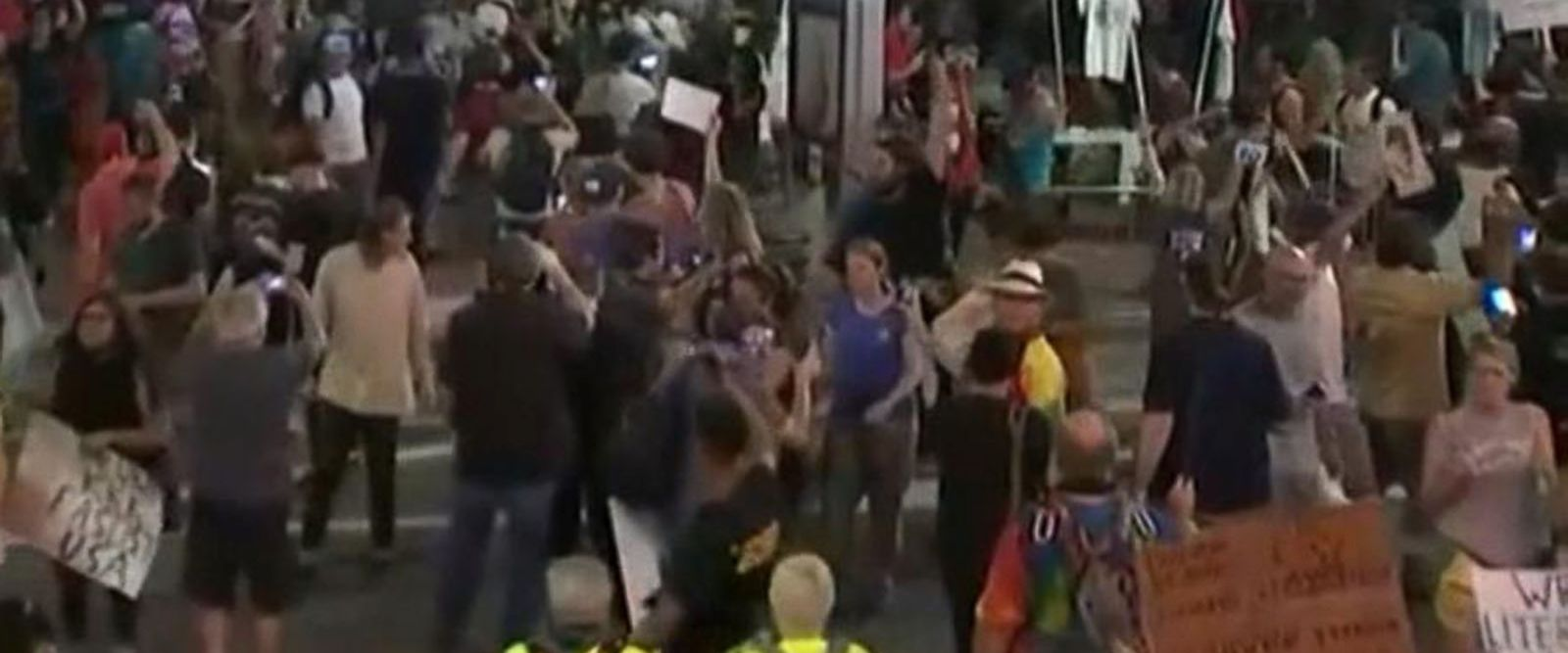 VIDEO: Crowd turns disorderly after President Trump's rally in Phoenix, Arizona
