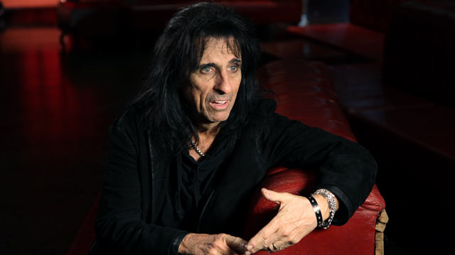 PHOTO: Recently inducted into the Hall of Fame, Alice Cooper talks about the five artists who have influenced him over the decades.