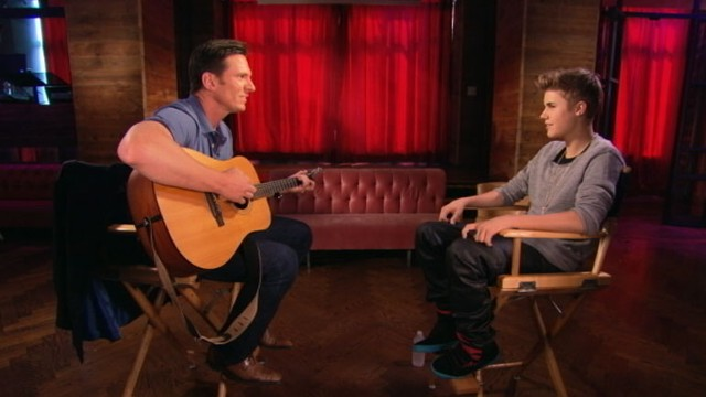 "VIDEO: Teen idol jams to his latest hit single with ""Nightline"" anchor Bill Weir."