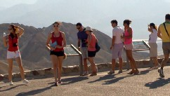 Heat Tourists Flock to Death Valley, Utahs Wave