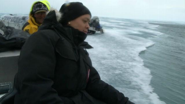VIDEO: While tracking narwhals in the Arctic, ABCs Linsey Davis and team encounters a dire situation.