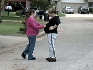 Watch: Mom, Teen Daughter Pregnant Together