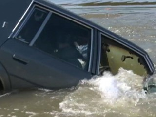 Watch: Sinking Car: How to Escape