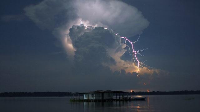 La foudre de Catatumbo Ht_catatumbo_river_lightning_nt_110721_wg
