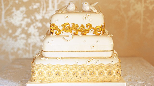 PHOTO: Pastry chef Fiona Cairns is making the royal wedding cake for Prince William and Kate Middleton. Shown here is one of her cake designs.