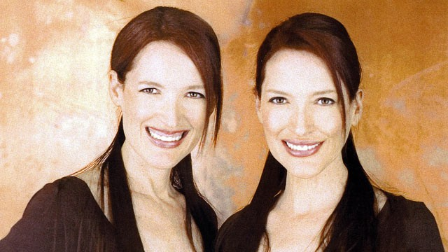 "PHOTO: ""Psychic Twins"" Linda and Terry Jamison have built careers from using what they call ""twin-tuition."""