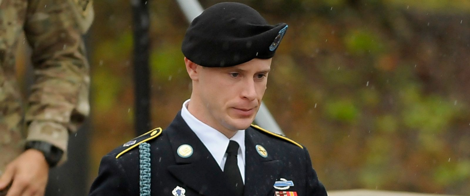 PHOTO: Army Sgt. Bowe Bergdahl leaves a military courthouse, Dec. 22, 2015, in Ft. Bragg, N.C.