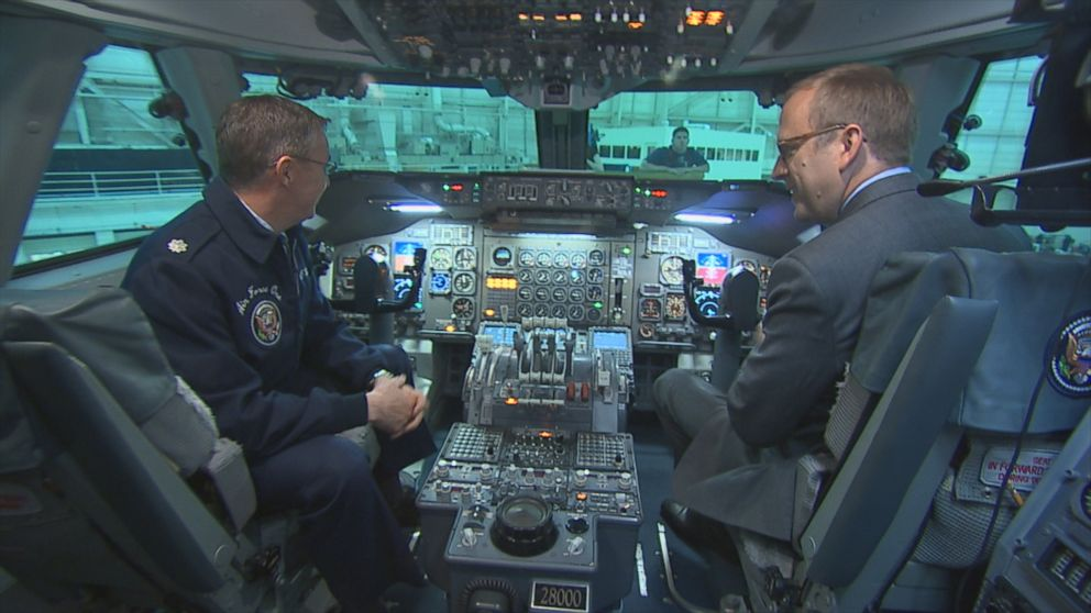 Inside air force one cockpit video abc news Air force one interior