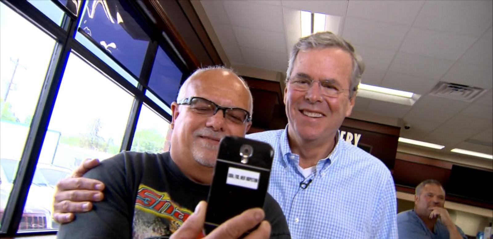 VIDEO: Jeb Bushs Selfie Snafu