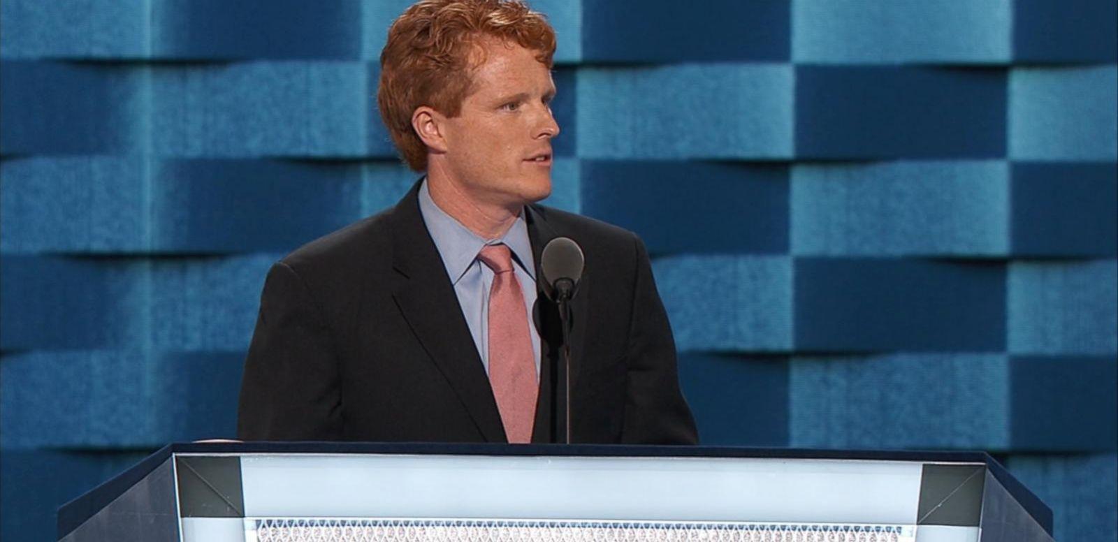 VIDEO: Kennedy Shares Law School Story With Professor Warren