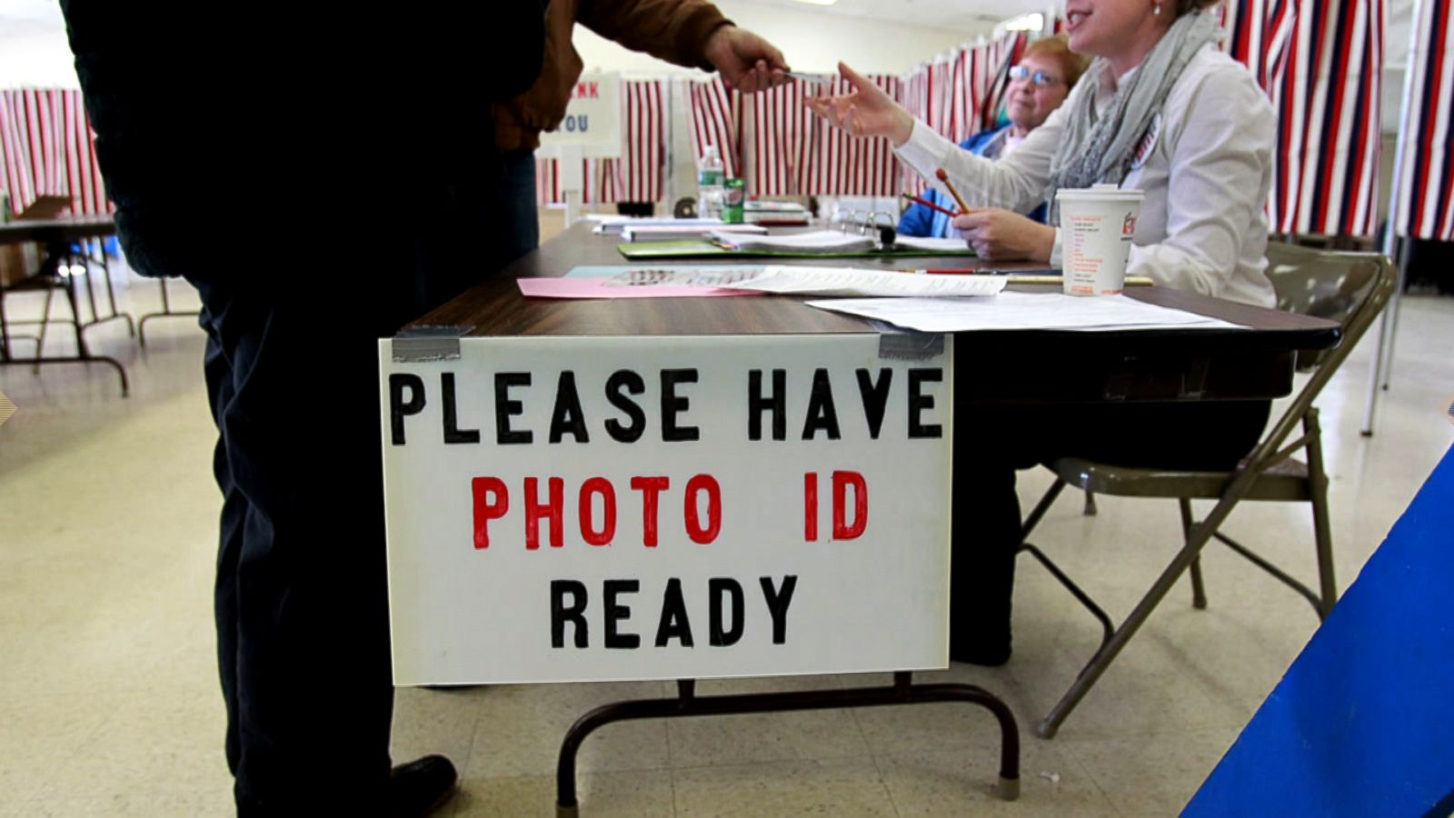 U.S.  drops some claims against Texas voter ID law
