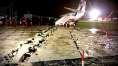 VIDEO: Mike Pences Plane Skids Off Runway on Arrival in NYC