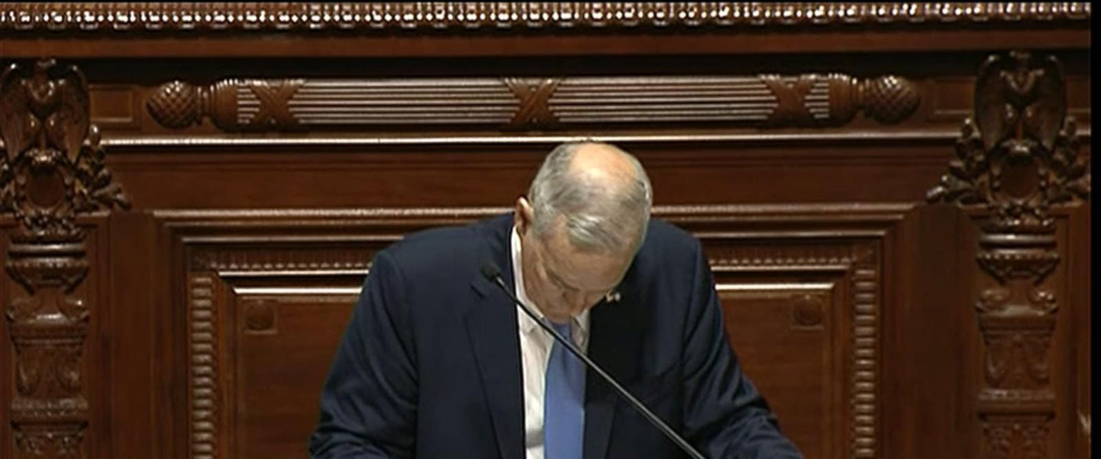VIDEO: Minnesota Gov. Mark Dayton Collapses During State of the State