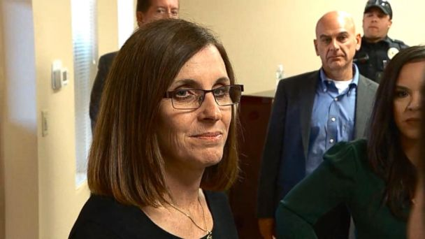 After holding a 90-minute town hall in Sahuarita, Arizona, Rep. McSally takes questions from the press.