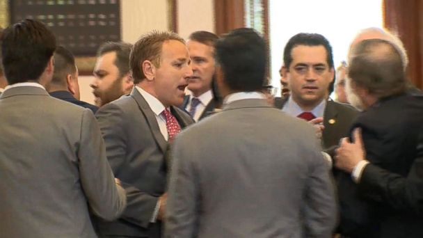 VIDEO:  Melee erupts in Texas state house after Republican lawmaker said he called ICE on protesters