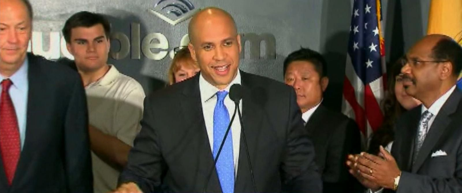VIDEO: Police in Newark, New Jersey are stepping up their protection of Sen. Cory Booker after he and his family received a death threat, Newark mayor Ras Baraka said in a statement Saturday.
