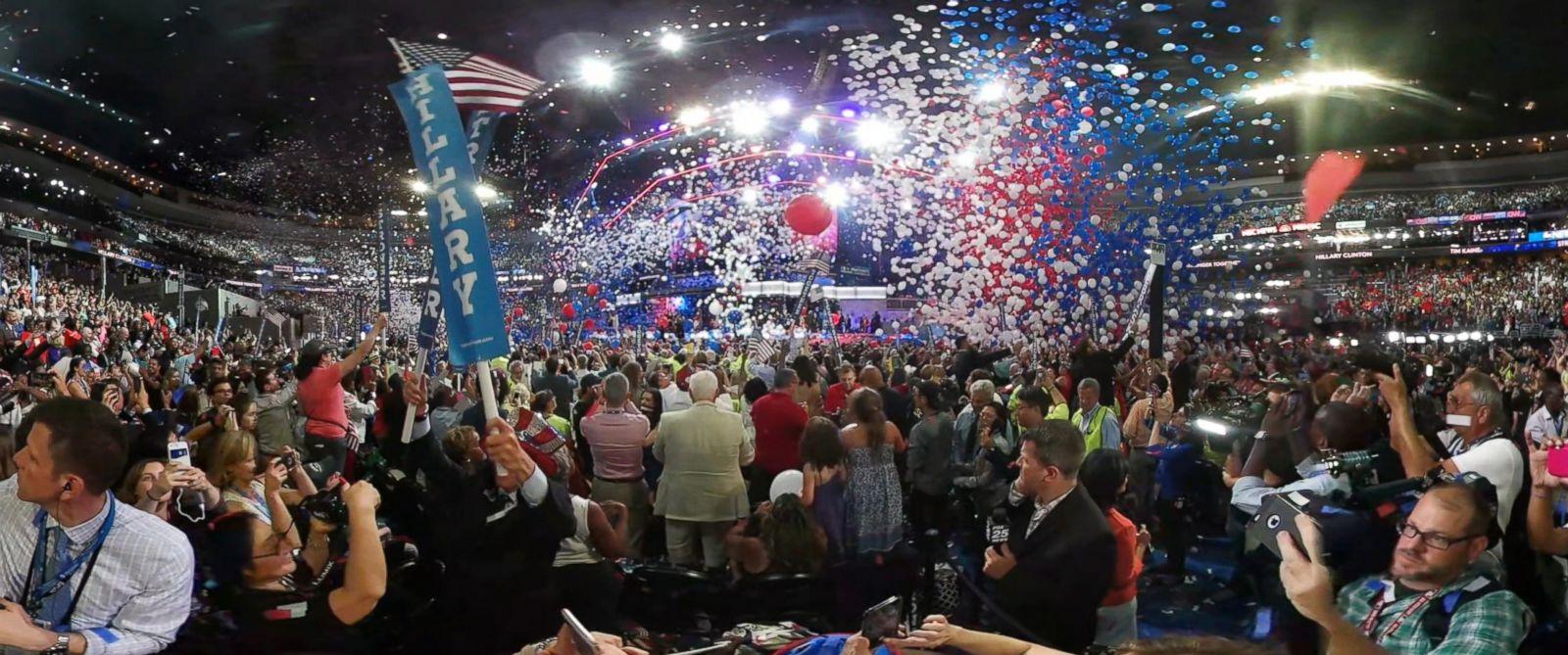 PHOTO: 2016 Democratic National Convention ball drop