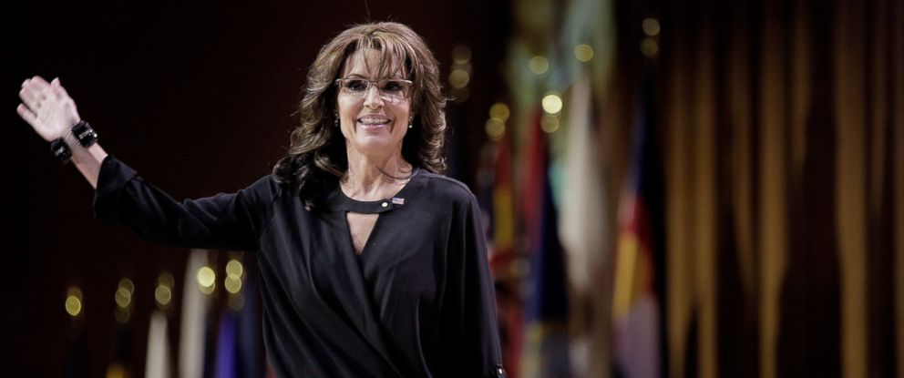 PHOTO: Sarah Palin waves as she leaves the stage during the 41st annual Conservative Political Action Conference at the Gaylord International Hotel and Conference Center, March 8, 2014, in National Harbor, Md.