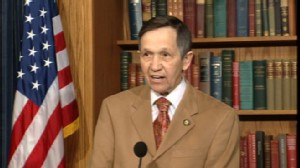 Video of Representative Dennis Kucinich saying he will vote for health care bill.
