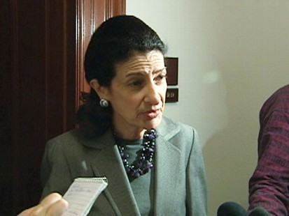 ABC News video of Sens. Collins, Snowe on financial reform.