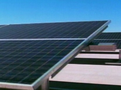 Video of Sunlen Miller reporting on solar pannels at the White House.